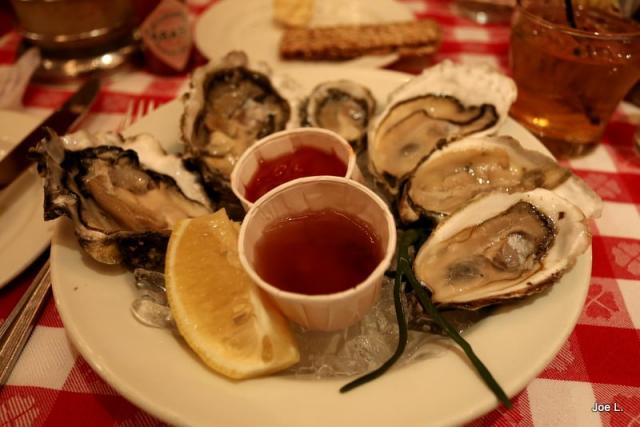 紐約一名饕客安東許(Rick Antosh)5日和朋友在一間牡蠣餐廳用餐時,居然...