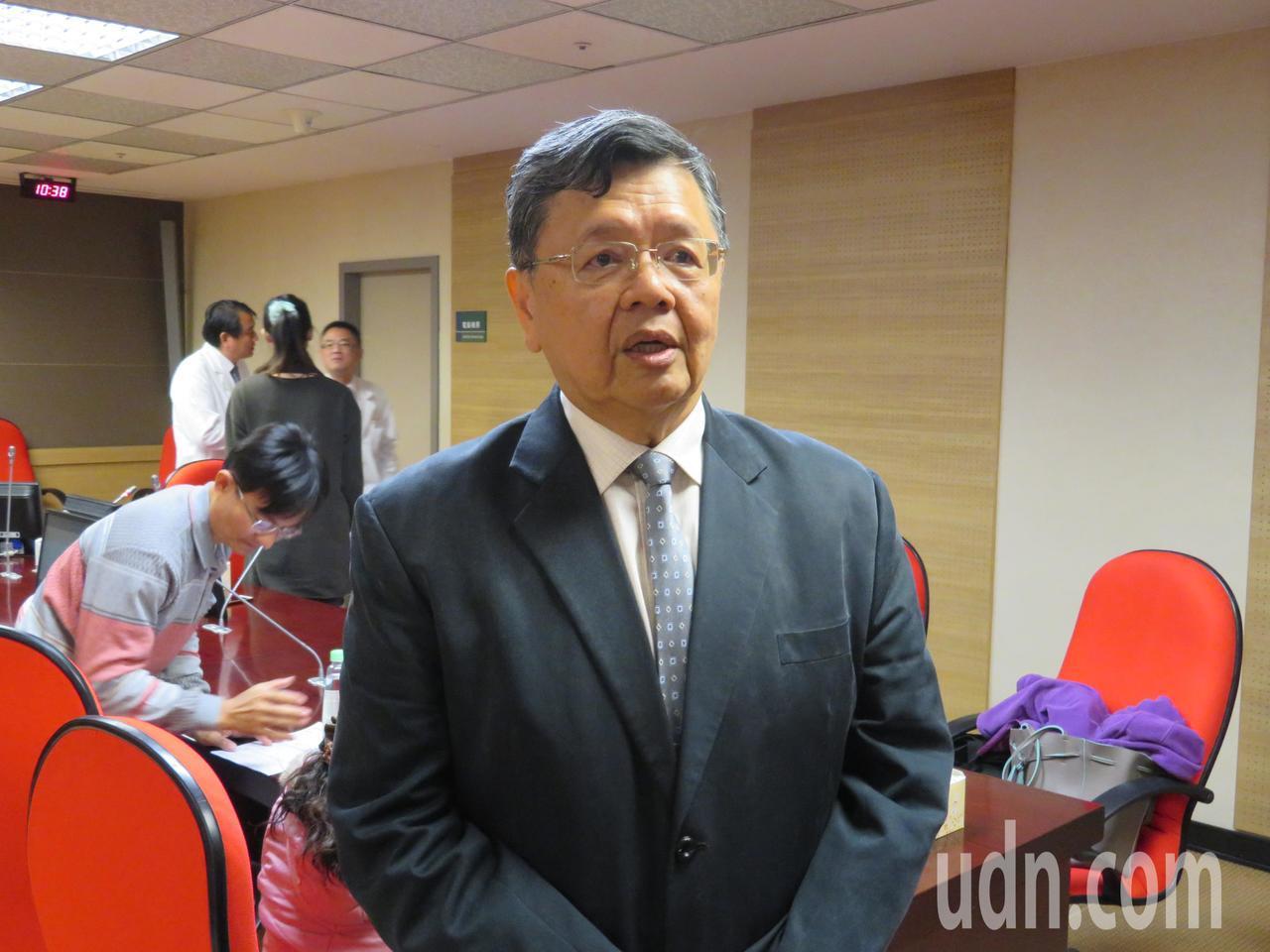前中正大學教授、現任南臺科大主任秘書王慶安,10年內先後罹直腸癌及攝護腺癌,最近...