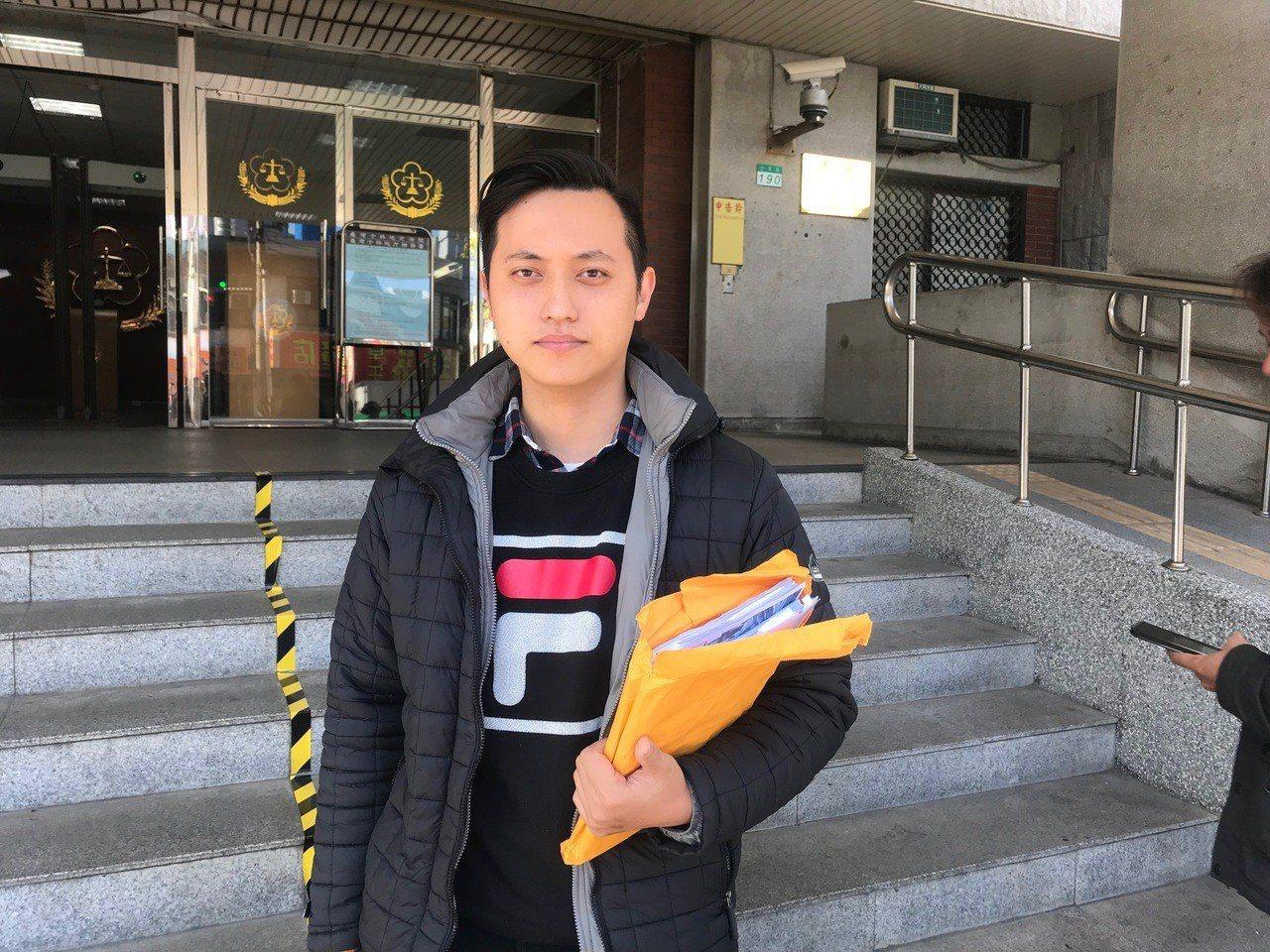 星二代包庭政今日獨自出庭面對車禍官司。記者蕭雅娟/攝影