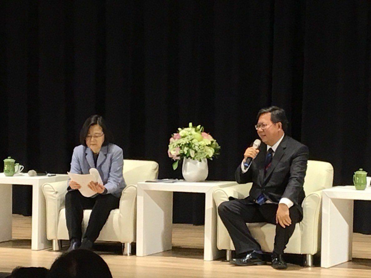蔡英文和鄭文燦今天會談。記者張裕珍/攝影
