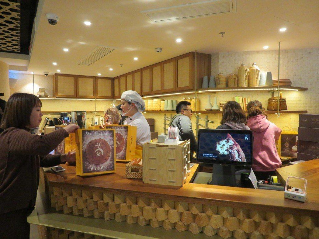 經過十天試營運後,上海「吳寶春麥坊」18日正式營業。特派記者林則宏/攝影