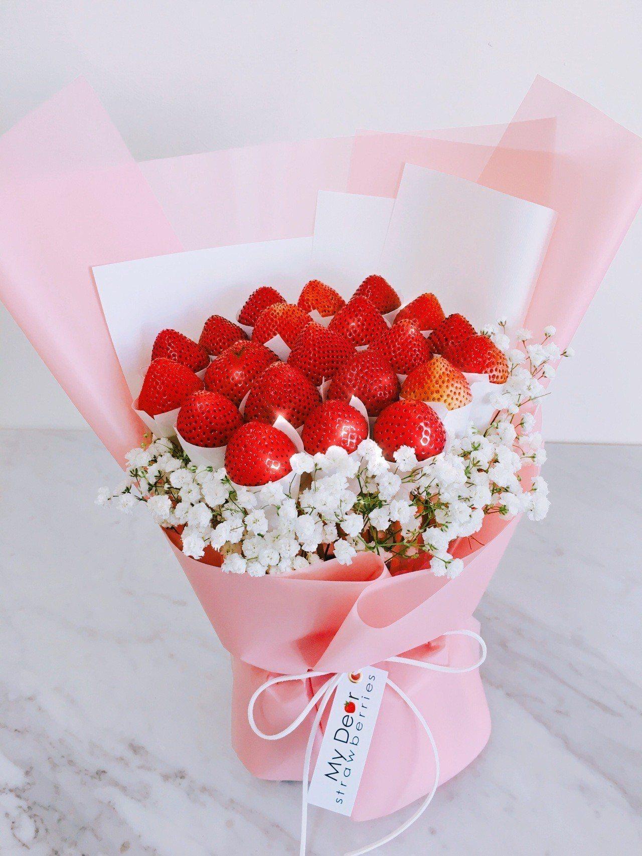 SOGO忠孝館耶誕市集,草莓花束Summer Love粉色禮盒組原價2,699元...