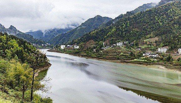 大陸今年3月起啟動全國性環保限汙令,環境部要求2018年底前,長江經濟帶11省市...