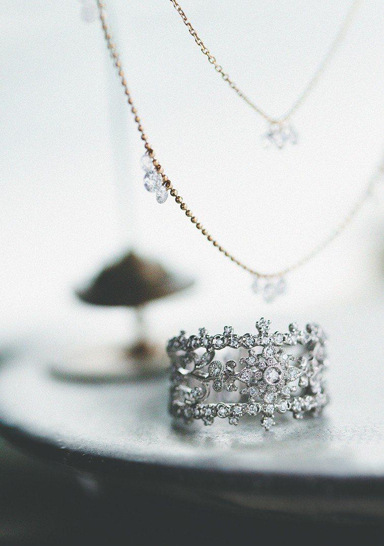 AbHerï激光穿孔鑽石項鍊是品牌經典。圖/JOYCOLORi提供