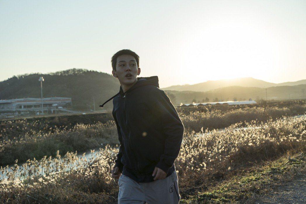 劉亞仁主演的「燃燒烈愛」好評不斷,讓他躍升為國際知名的演技派小生。圖/華聯提供