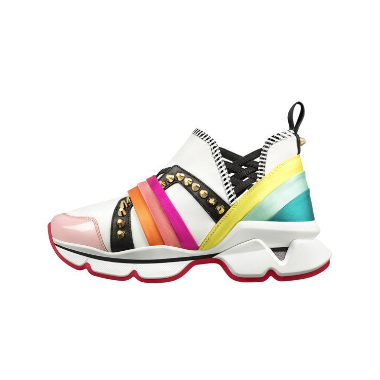 Christian Louboutin的女款運動鞋加上緞帶布料柔化陽剛味。圖/C...