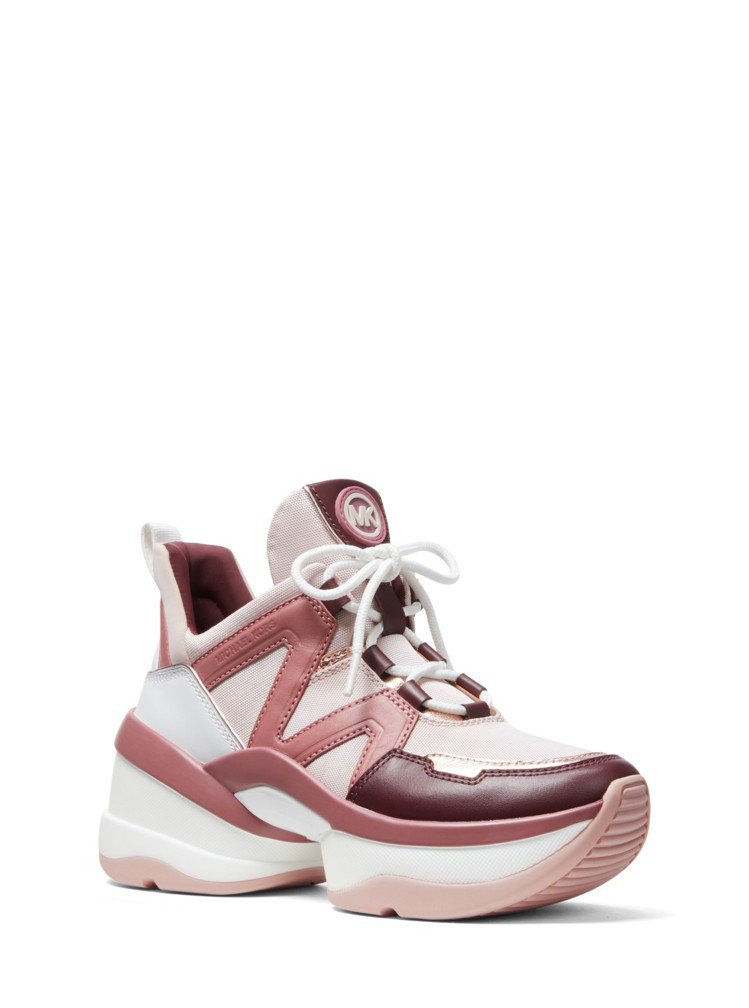 MICHAEL KORS粉紅色幾何圖騰休閒鞋,售價9,800元。圖/MICHAE...
