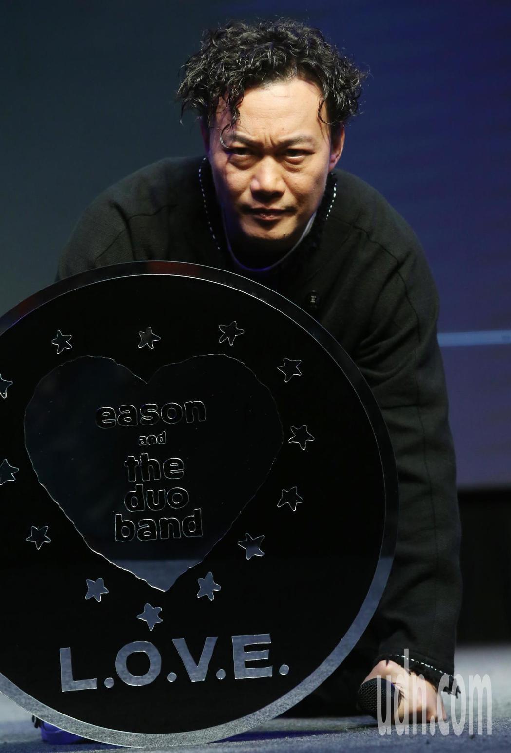 陳奕迅今天在台北舉辦 《L.O.V.E in F.R.A.M.E.S.》放映會X...