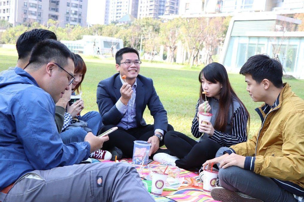 第3屆台中市長就職典禮很不一樣,準市長盧秀燕要辦「草地就職典禮」,相約市民綠地野...