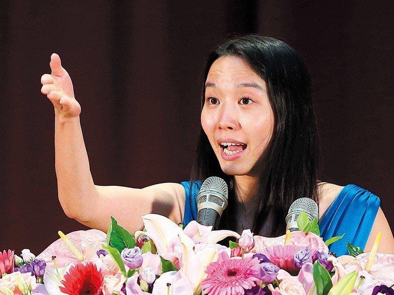 許芯瑋和學弟妹分享「面對人生的路口可以怎麼選擇」。 記者林澔一/攝影