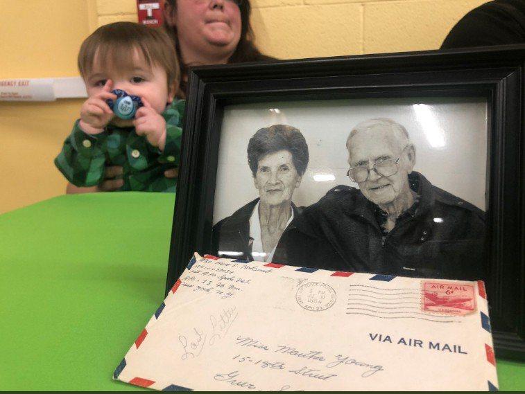 圖為麥斯及瑪莎兩人年老的照片。圖擷自Amber Worthy推特
