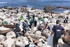 台灣海岸窒息…1年半清出7千噸海洋垃圾