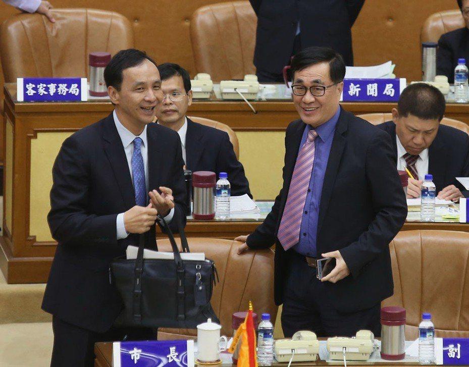 朱立倫(左)幾經考慮,決定借出李四川(右)。 攝影/郭晉瑋