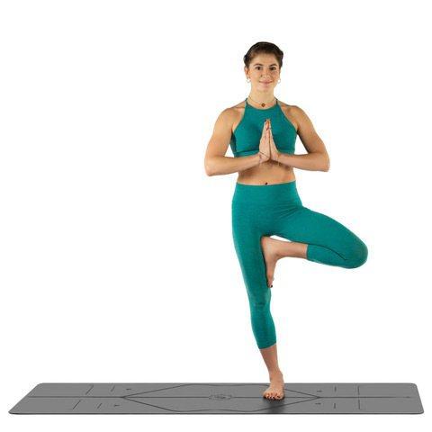 Liforme瑜珈墊特殊的防滑表層能避免因流汗滑倒受傷。圖/盈望實業有限公司提供