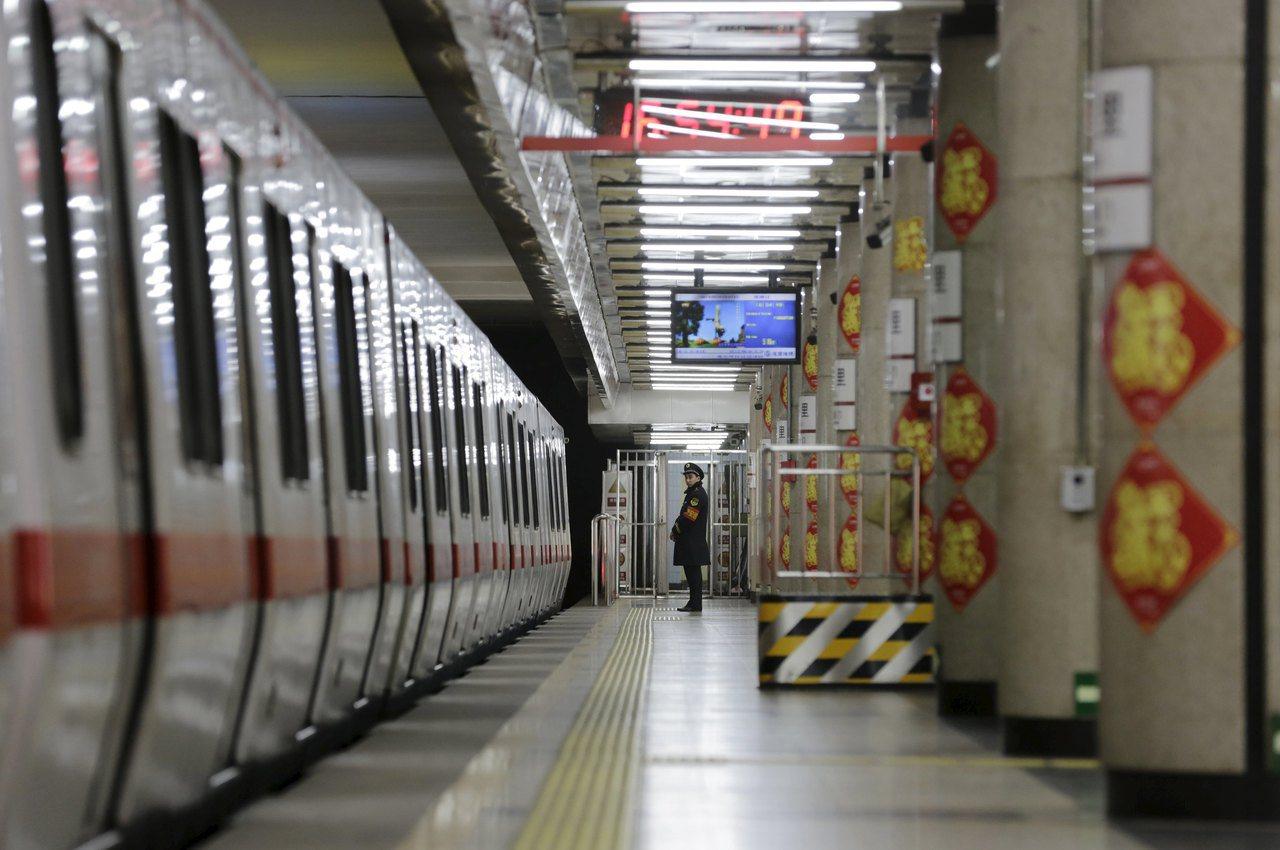 中國地鐵建設大潮回來了。路透