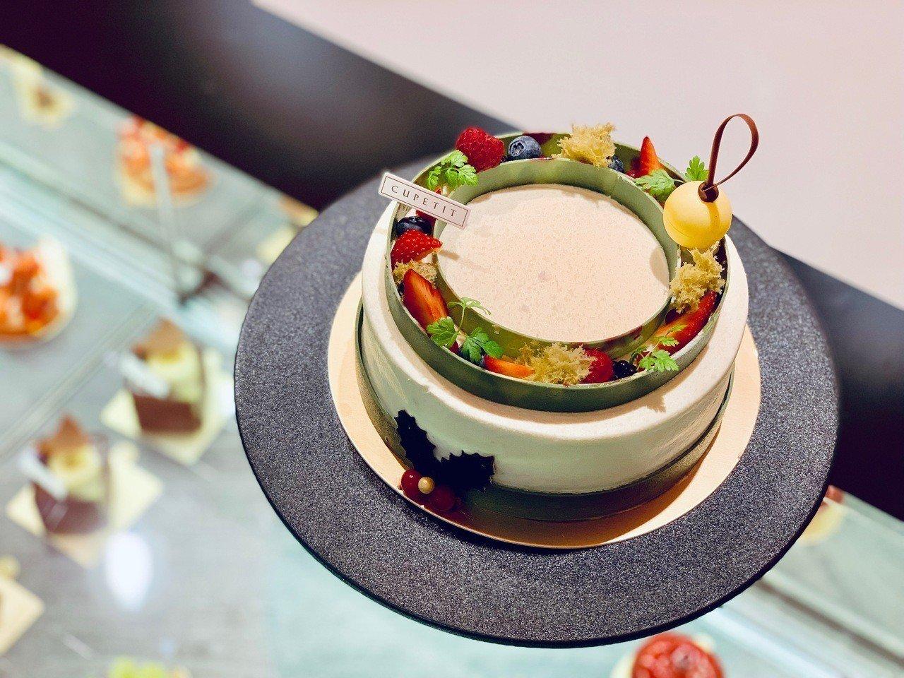 耶誕期間的限定蛋糕「美女與聖誕Beauty & the Best」,售價1,10...