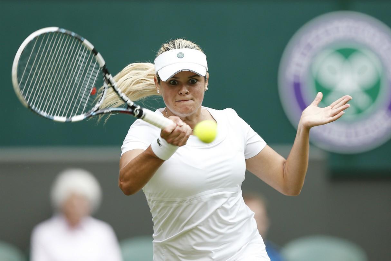 前加拿大「 一姊」伍茲妮雅克宣布即刻退休,帶著1座WTA金盃和網壇告別。 歐新社