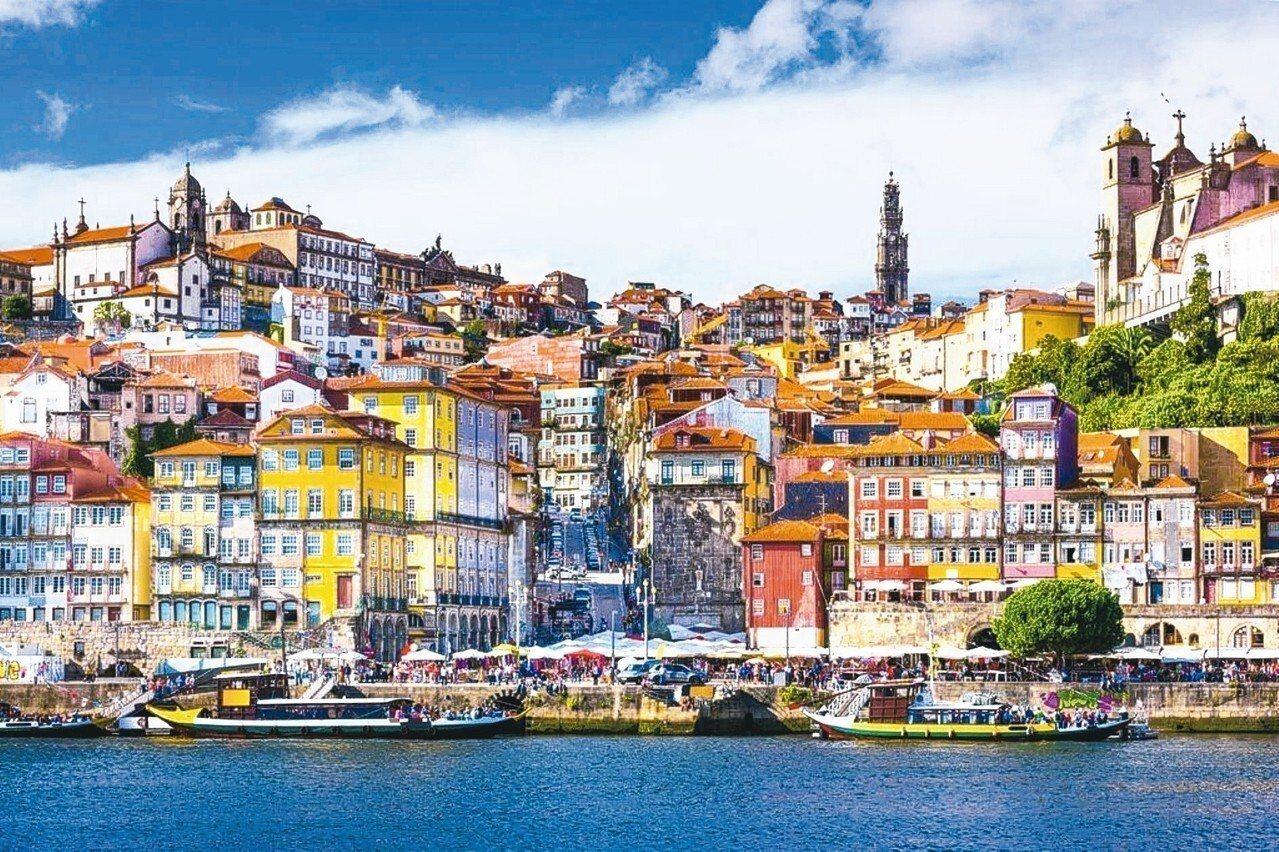 葡萄牙波爾圖是該國第一大港,漫步舊城區可以感受自大航海時代累積的港都風情。 Bo...