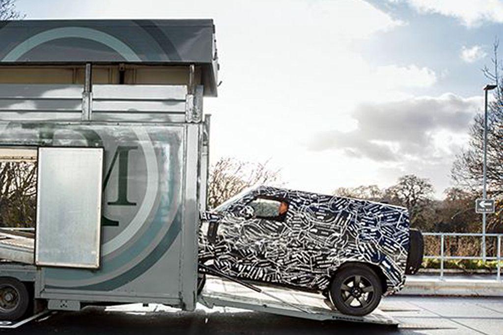 期待許久的Land Rover Defender,終於要發表新世代車型了。 圖/...