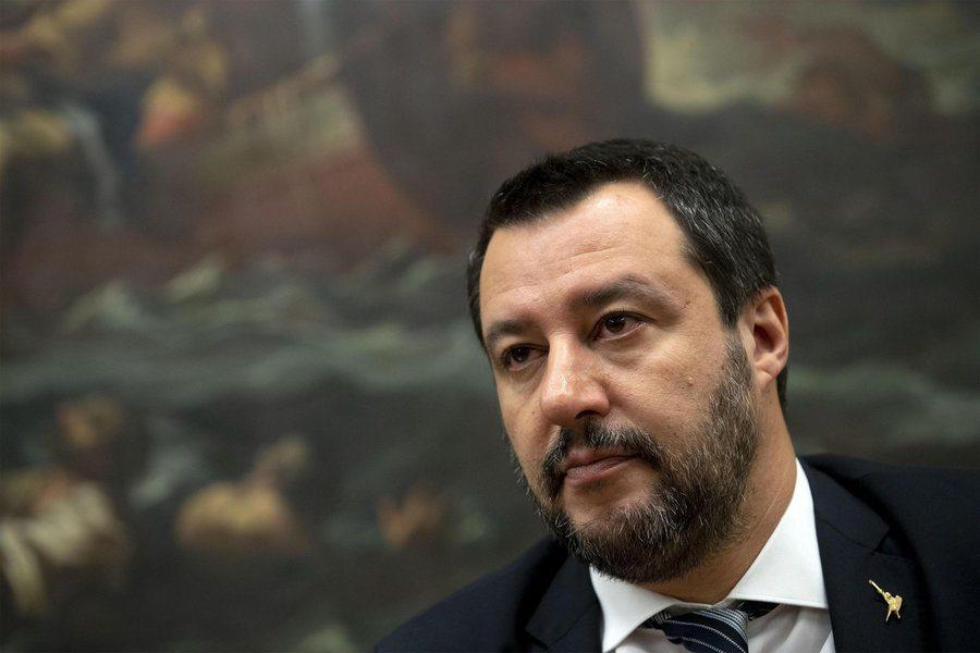 義大利政府過去堅持高風險的預算案,但面對歐盟施壓只能妥協。圖為多次批評歐盟的副總...