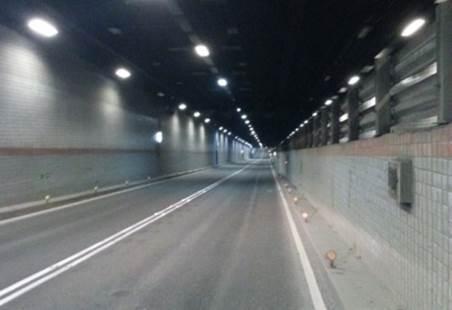 高雄港過港隧道從108年春節過後進行夜間封閉部分車道施工。圖/台灣港務公司提供