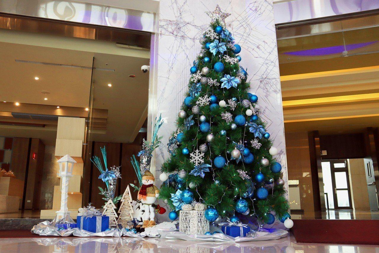 竹湖暐順麗緻文旅打造巨型耶誕樹。圖/竹湖暐順麗緻提供