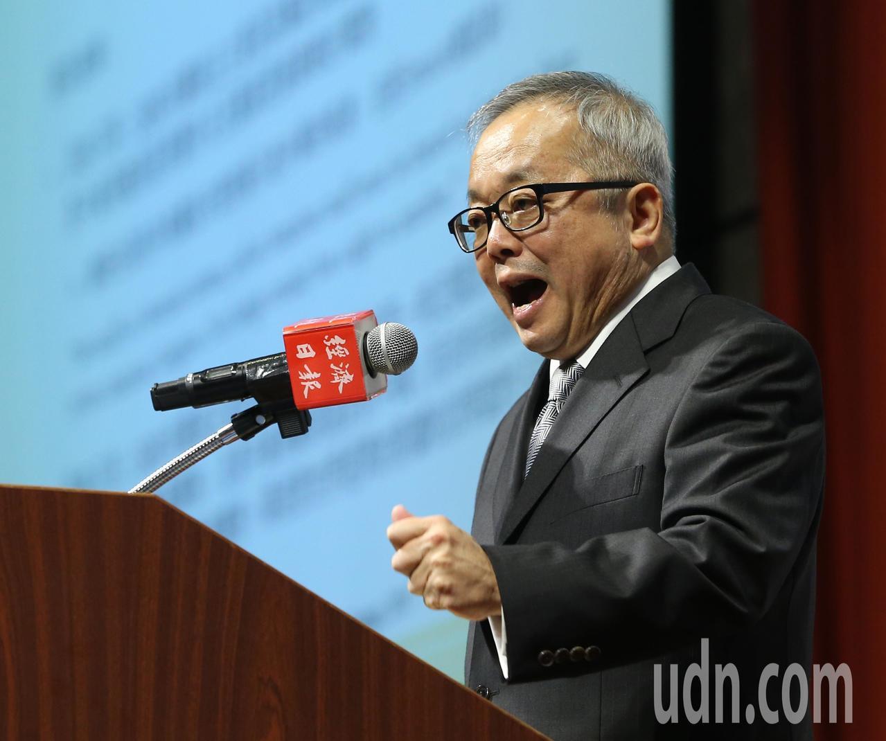 行政院副院長施俊吉上午出席「2019經濟投資展望論壇」。記者林澔一/攝影