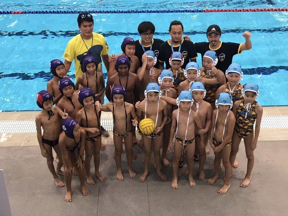 台灣水球俱樂部小將(藍帽者)。圖/台灣水球俱樂部提供