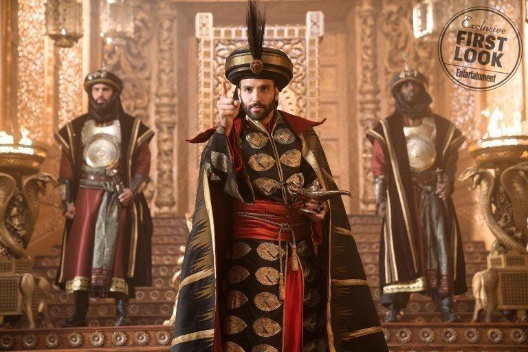 大反派賈方在電影版中更年輕、有型。圖/摘自EW