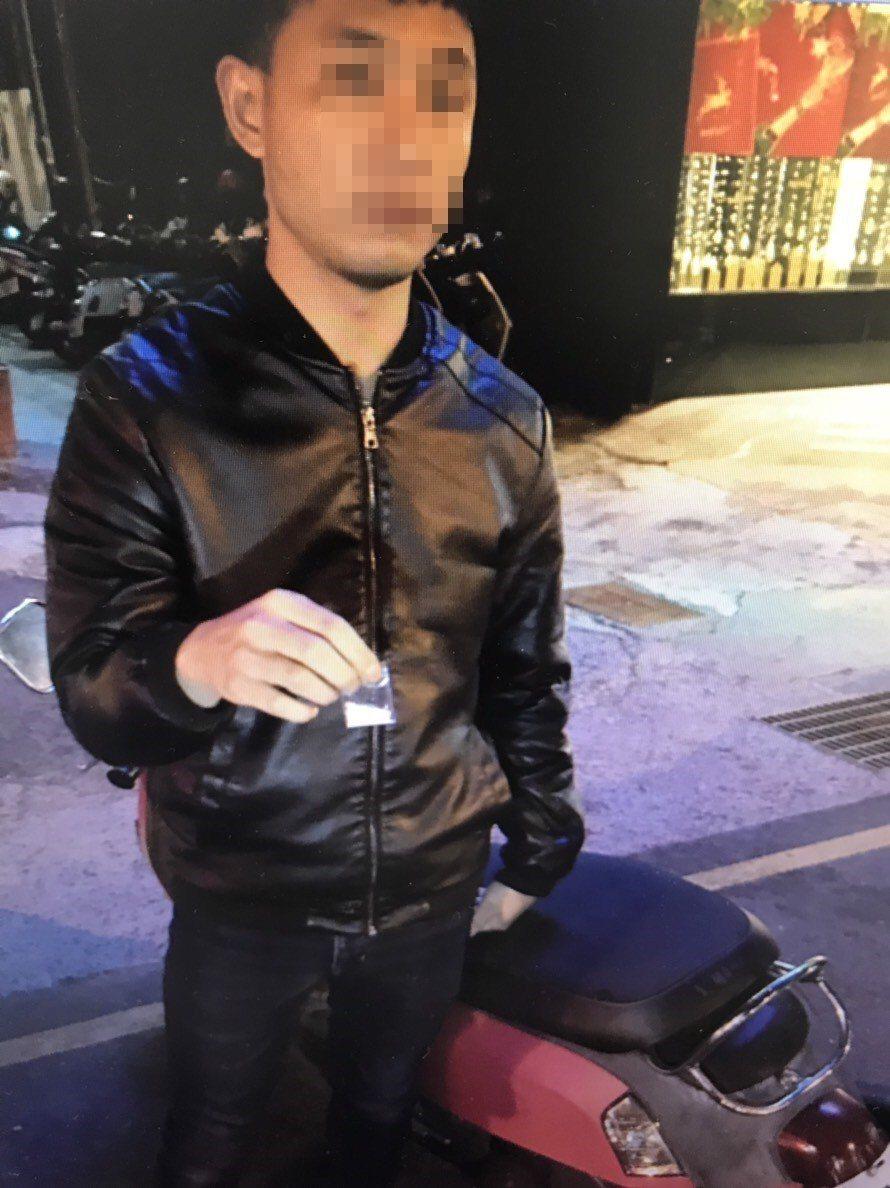 台南市林姓男子涉嫌持有毒品,被警方查獲法辦。記者黃宣翰/翻攝