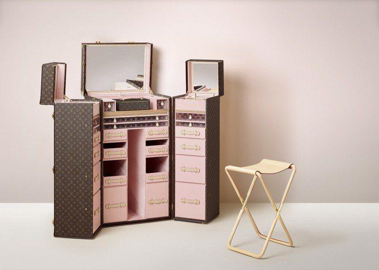 客製頂級美容化妝硬箱,售價約580萬。圖/LV提供