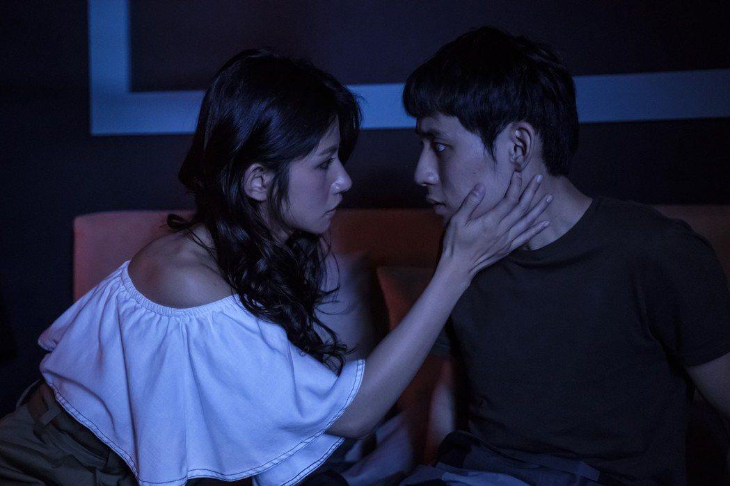 徐鈞浩(右)第一次跟女生拍吻戲。圖/歐銻銻娛樂提供