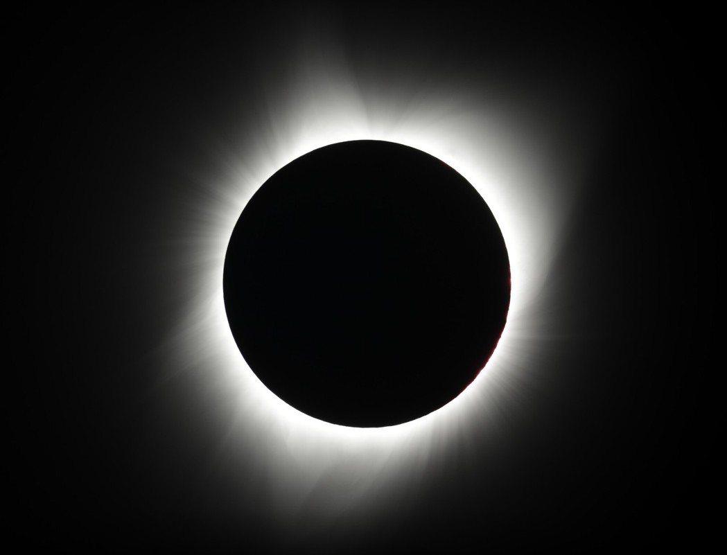 明年全球可見到兩次日全蝕。 (美聯社)