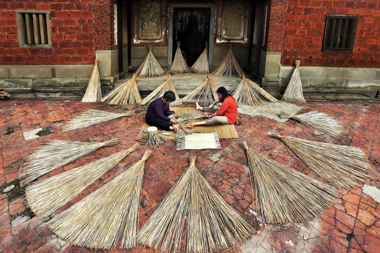 苗栗苑里藺草編織。圖/觀光局提供