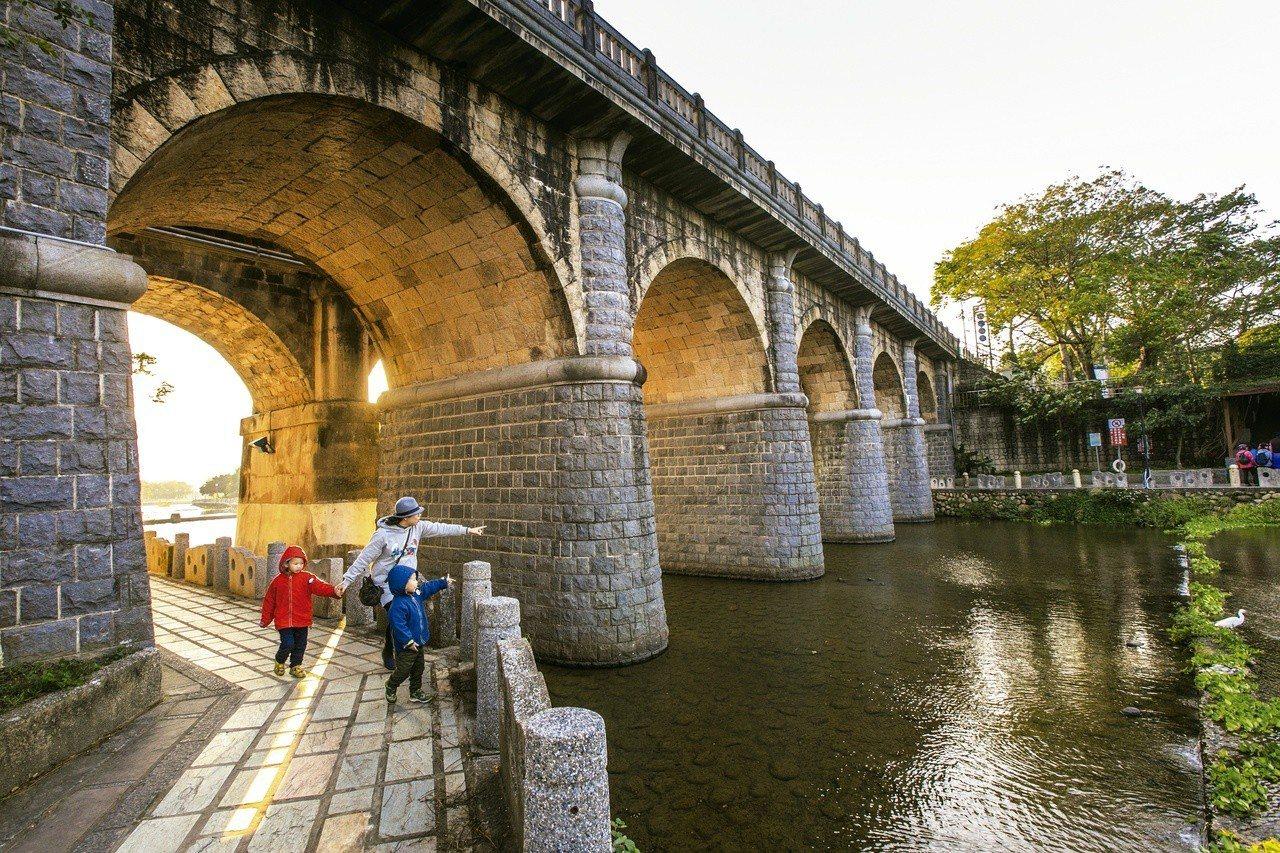 關西東安古橋。圖/觀光局提供