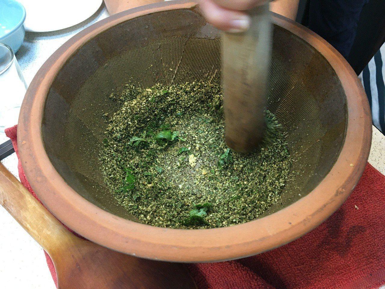 到鳳林鎮可以體驗擂茶。圖/聯合報系資料照片