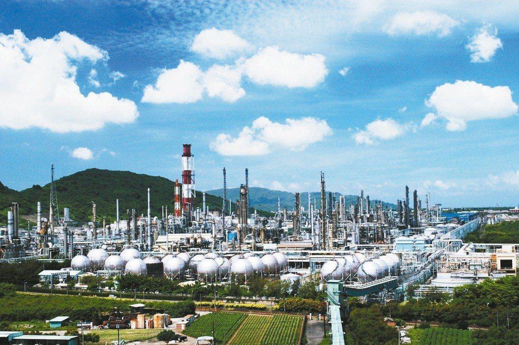 韓國瑜提議在高雄煉油廠建賽馬場。 本報系資料庫