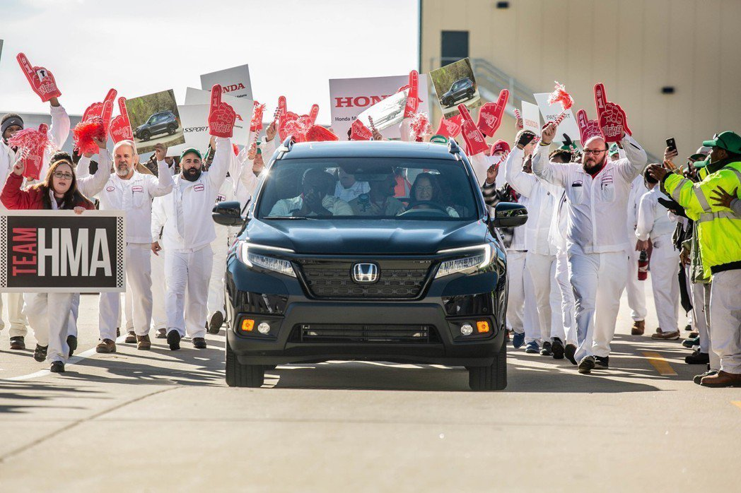 全新Honda Passport日前於阿拉巴馬州的工廠正式投產。 摘自Honda