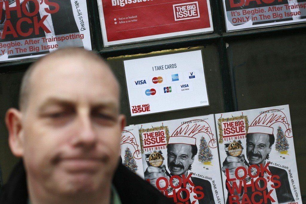 圖為英國《大誌》位於倫敦的販售點。 圖/路透社
