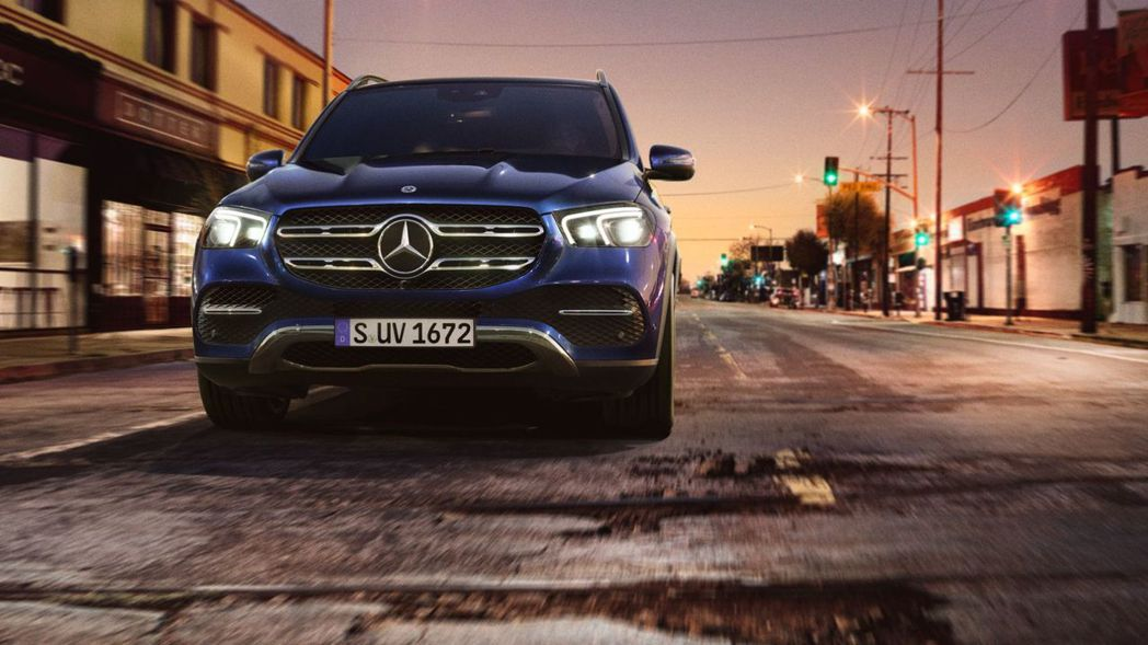 全新Mercedes-Benz GLE 400d 4MATIC可輸出最大馬力33...