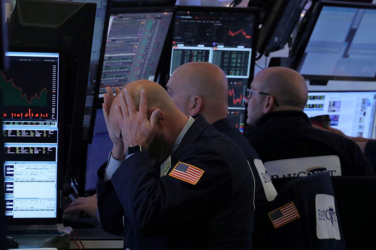 分析師指出,股市已經超賣,但仍可能續跌,技術面很難確定底部。路透