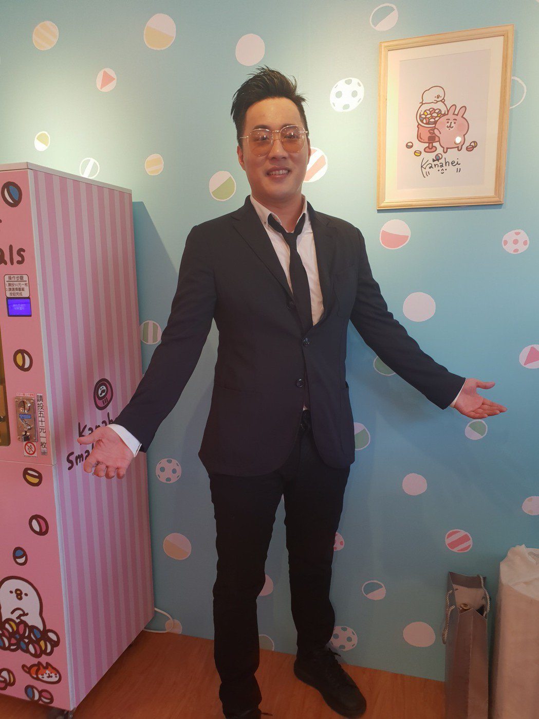 余祥銓以股東身份擔任一日店長。記者李姿瑩/攝影