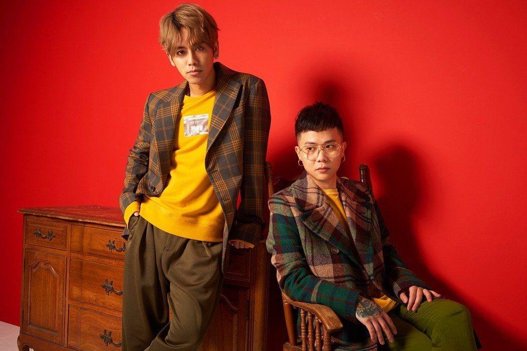 蕭秉治(右)和鼓鼓將在跨年合體演出。圖/Choc雜誌提供