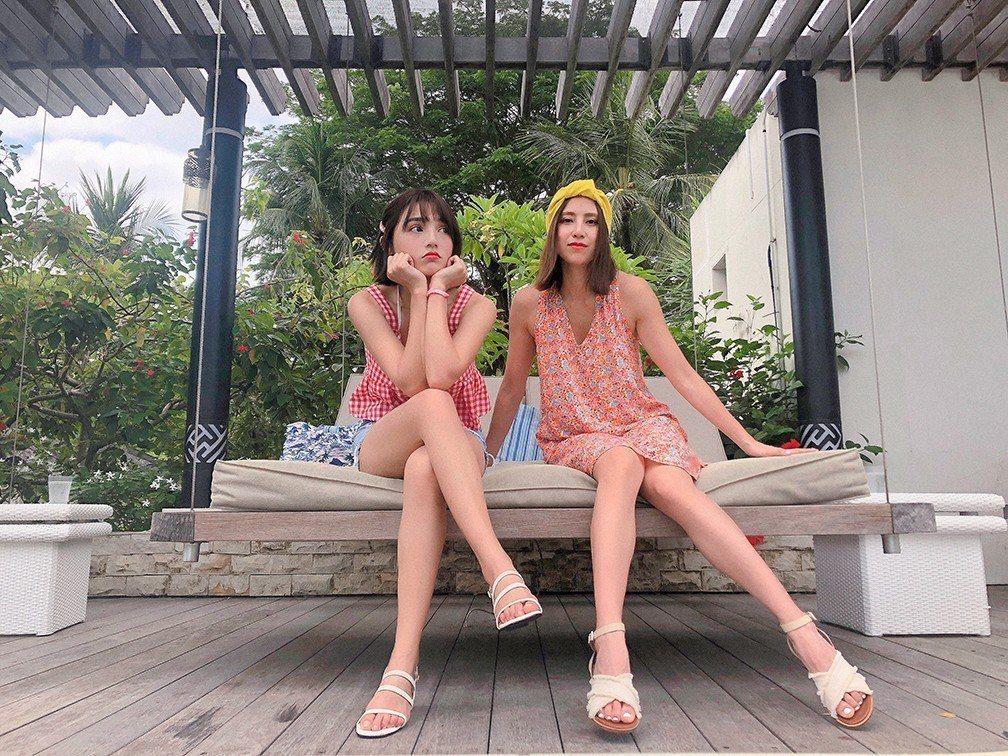 房思瑜(右)、Dora謝雨芝到峇里島度假。圖/TVBS提供