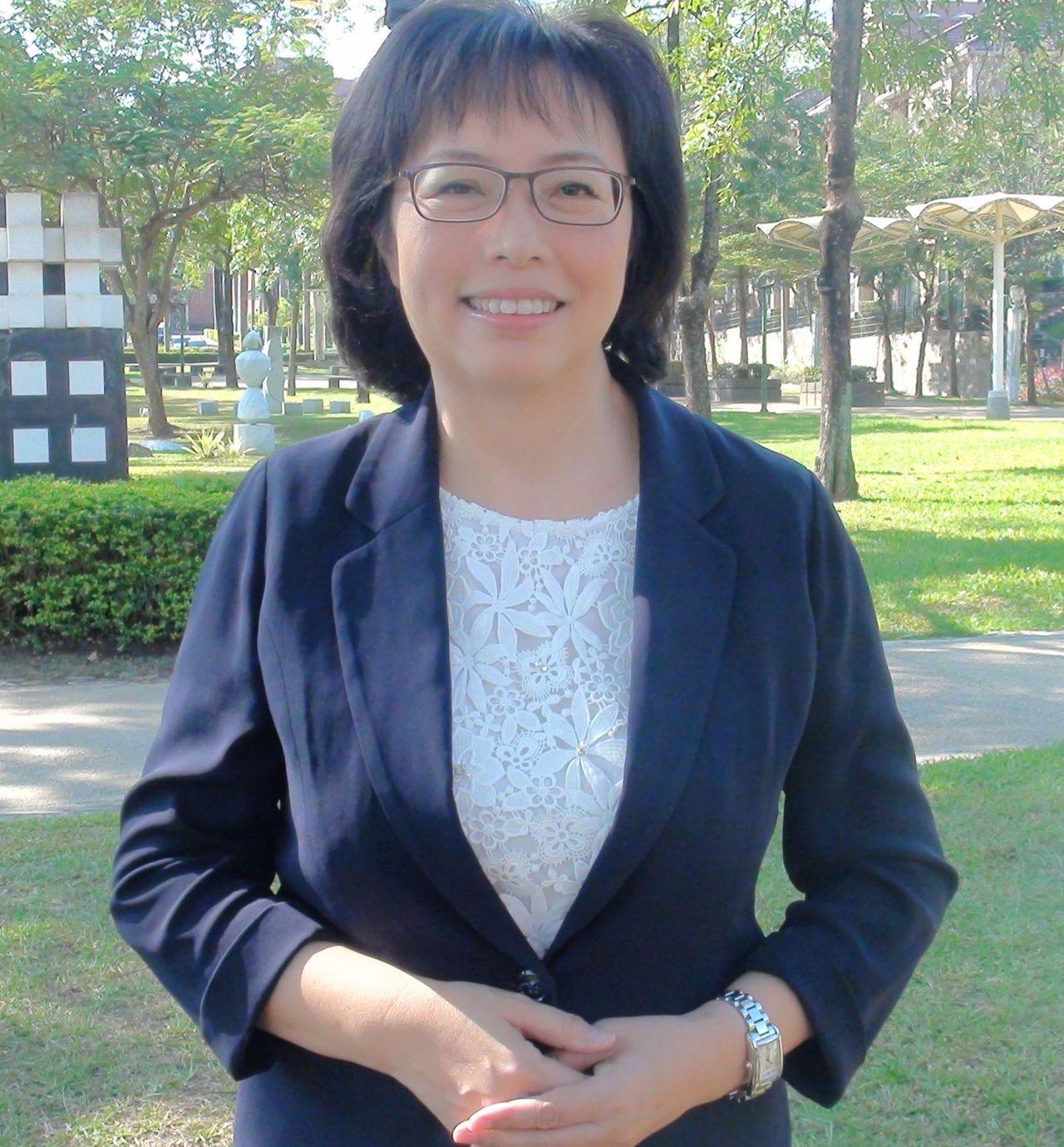前義联集團發言人江惠頌外文能力強,獲韓國瑜延攬成為行政國際處長。記者王昭月/攝影