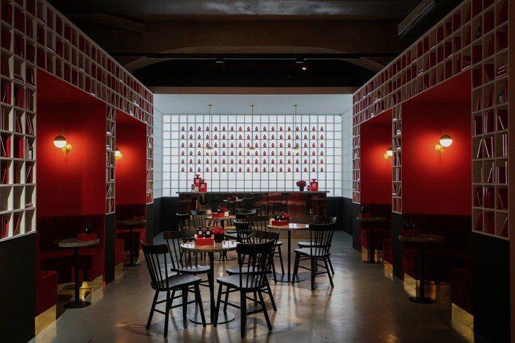 香奈兒LE ROUGE紅色工場,紅色酒吧。圖/香奈兒提供
