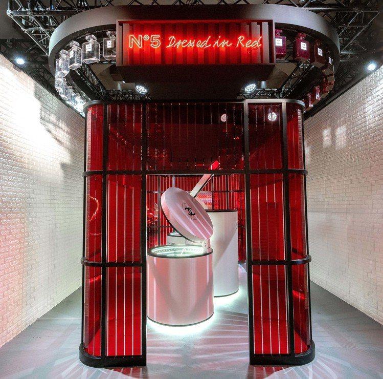 香奈兒LE ROUGE紅色工場,紅色實驗室。圖/香奈兒提供