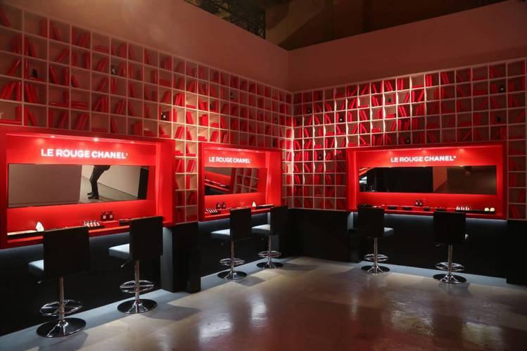 香奈兒LE ROUGE紅色工場,自由試妝區。圖/記者陳立凱攝影