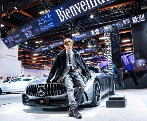 人氣男神「王子」邱勝翊出席「Mercedes-Benz & smart 一日星特使」車展活動,現場不僅帥氣登場,更開嗓溫柔獻唱,他坦言從小就愛車,甚至夢想長大當賽車手,但他很務實念舊,19歲...