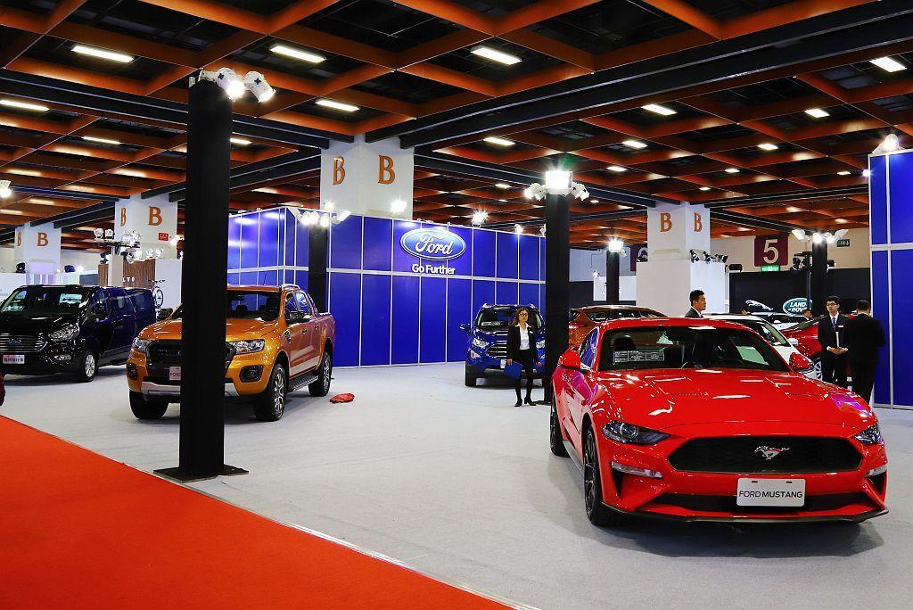 Ford汽車旗下車款也是全員到齊,包括Focus、Escort、Mondeo、E...